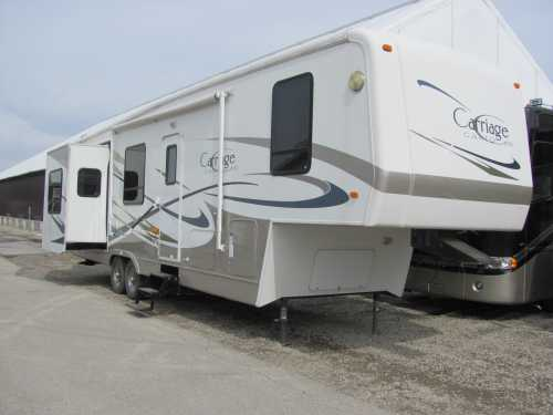 2005 Carriage Cameo 35SKQ